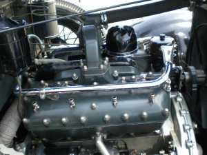 The engine might look it just came out of Grandma's basement, but it is a 385 cubic-inch V8 that puts out 200 horsepower and an astonishing 450 lb-ft of torque.  It is all cast-iron, however.