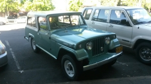 This simply amazing Jeep Jeepster Commando was probably the nicest Jeep that I have ever seen - I don't care if it's 2WD or not!